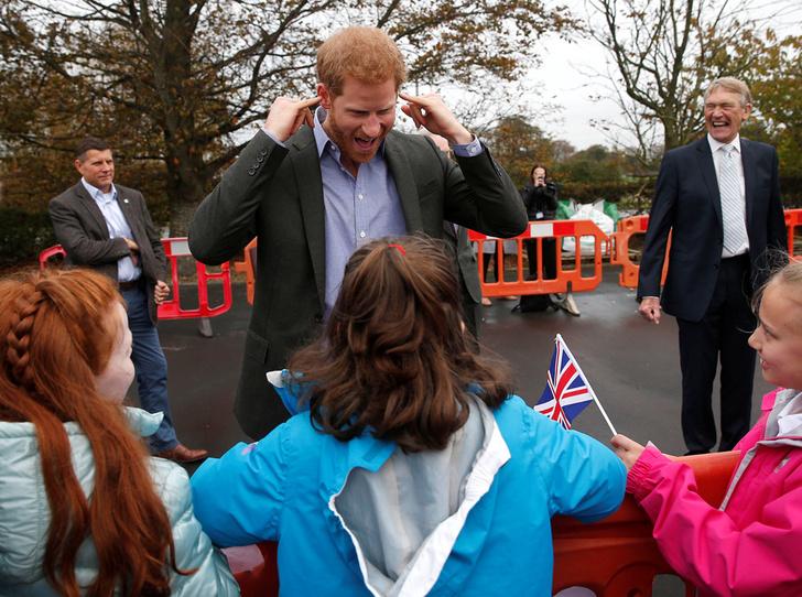 Фото №25 - 25 фотодоказательств, что принц Гарри будет отличным отцом