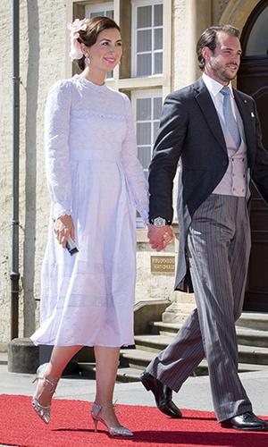 Фото №16 - 10 примеров, когда королевы и принцессы надели одно и то же