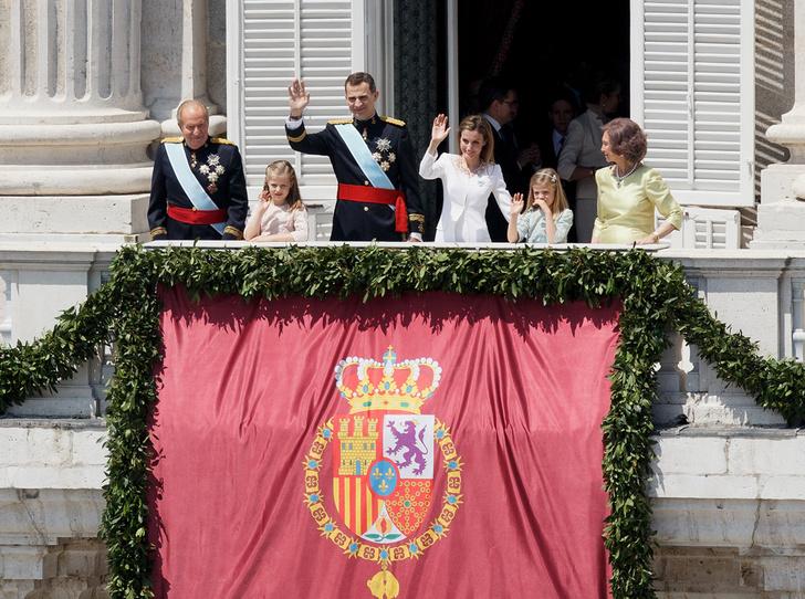 Фото №22 - Короли на пенсии: 8 монархов, которые отреклись в пользу детей
