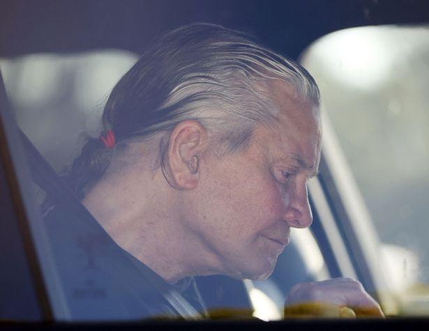 Фото №4 - Папарацци подловили Оззи Осборна без крашеных волос, и музыканта не узнать