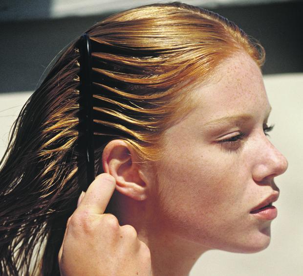 Фото №3 - Береги смолоду: что делать, если выпадают волосы