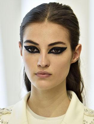Фото №2 - Индивидуальный подход: макияж показа Dior Haute Couture AW'16-17