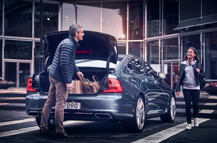 Фото №2 - Volvo Car Russia и Дневник.ру запустили платформу, помогающую детям проверить знание правил безопасного поведения на дороге