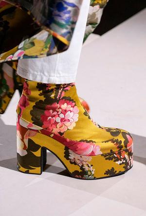 Фото №10 - Самая модная обувь весны и лета 2020: советы дизайнеров