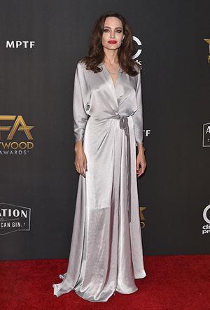 Фото №20 - Почему Анджелина Джоли — снова икона стиля, или Что такое luxe purism