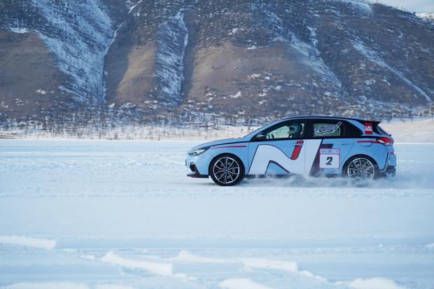 Фото №3 - Hyundai i30 N: отжигает на льду Байкала