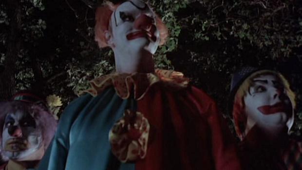 Фото №5 - Самые жуткие и пугающие ужастики про клоунов-убийц 🔪