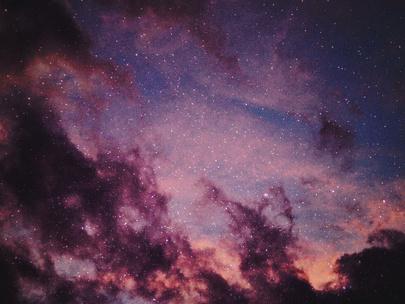 Фото №3 - Тест: Выбери фото звездного неба, и мы скажем, где ты познакомишься со своим будущим парнем