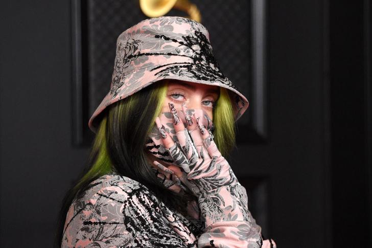 Фото №1 - 6 сумасшедших маникюров номинанток премии «Грэмми-2021»