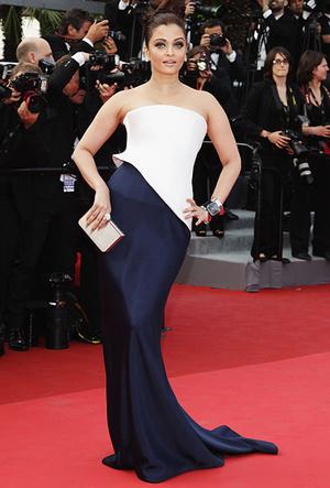 Фото №57 - Болливуд в Каннах: Айшвария Рай и все ее наряды за историю кинофестиваля