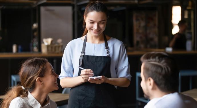 «Я, он и официантка»: история одного неудачного свидания