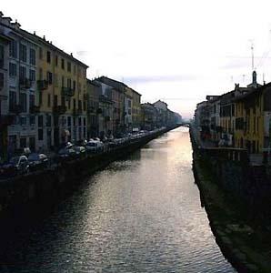 Фото №1 - Миланские власти пытаются оживить городские каналы