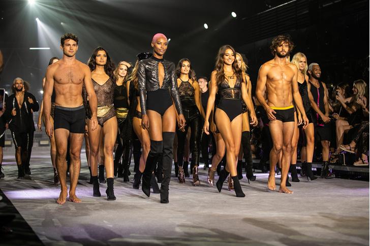 Фото №13 - Звезды, блогеры и fashion-шоу: как прошел показ осенне-зимней коллекции TEZENIS
