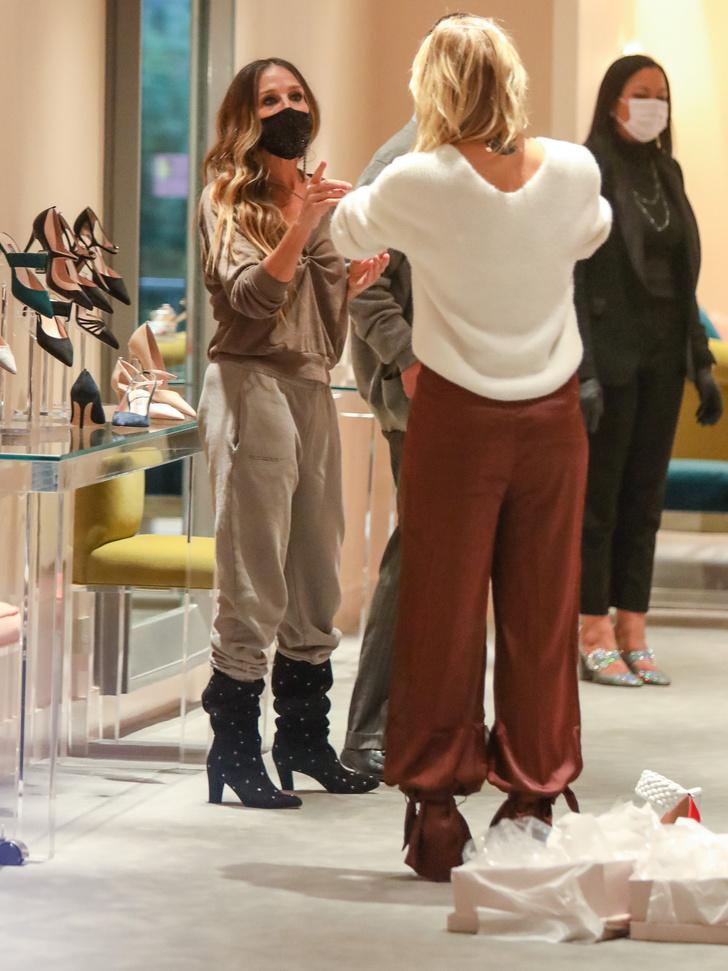 Фото №1 - Какой российской актрисе Сара Джессика Паркер подбирает обувь?