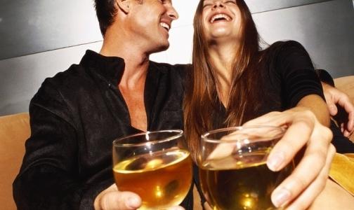 Фото №1 - Россияне стали меньше пить
