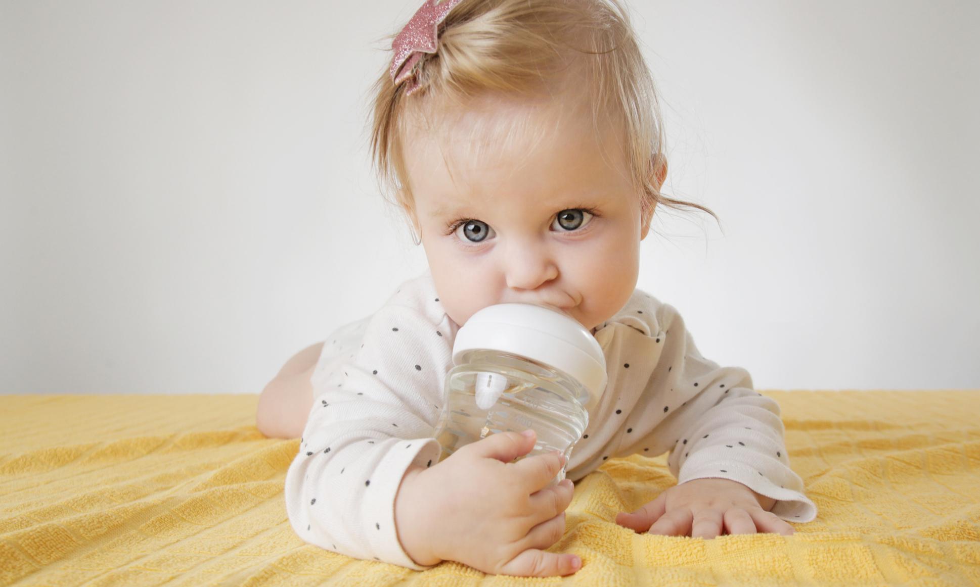 Почему опасно перекармливать младенца