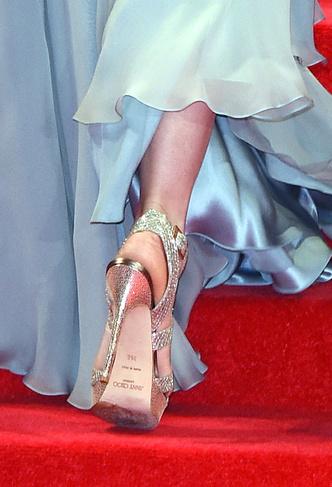 Фото №5 - Во всем блеске: любимые вечерние туфли королевских особ
