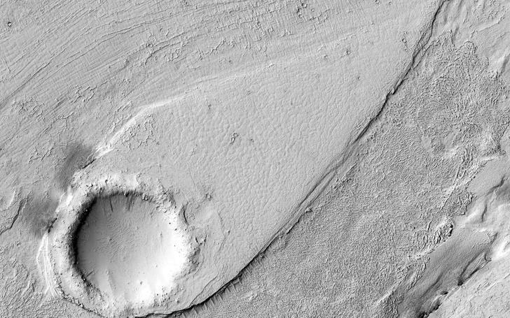 Фото №1 - Ученые разгадали тайны «лавы» на Марсе