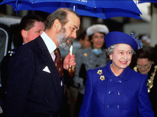 Фото №7 - Виндзорские зонтики: королевский способ спрятаться от дождя