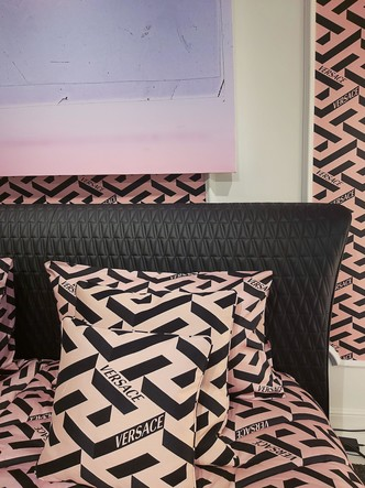 Фото №9 - Новая коллекция Versace Home в Милане
