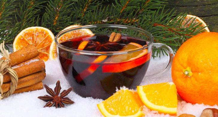Фото №1 - Вино, специи и фрукты: варим согревающий глинтвейн