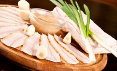 Как засолить сало в домашних условиях — рецепты сала в рассоле, с чесноком, в луковой шелухе и др.