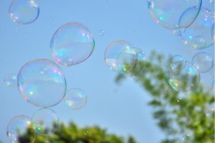 Фото №1 - Мыльные пузыри: история изобретения