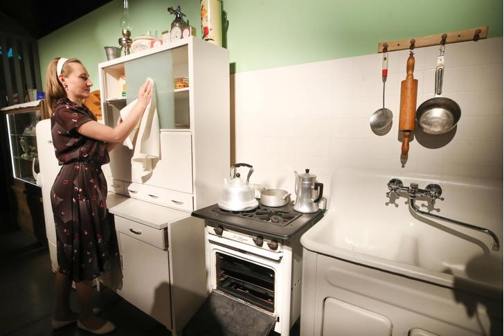 Почему в Советском Союзе начали строить квартиры без кухонь