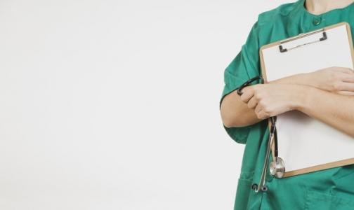 Фото №1 - В 2016 году более 200 медиков заболели «от работы»