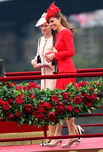 Фото №6 - Кейт в горошек и Меган в полоску: на что намекают две герцогини