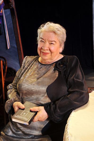 Фото №1 - Больше всего на свете любила смешить: умерла «бабушка комедии» Кира Крейлис-Петрова
