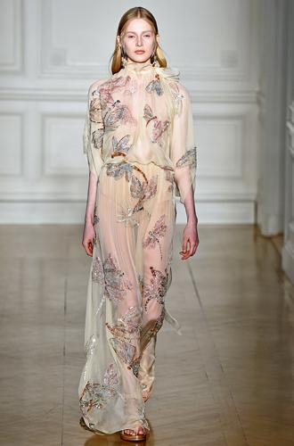 Фото №8 - 7 ключевых женских образов Недели haute couture SS17