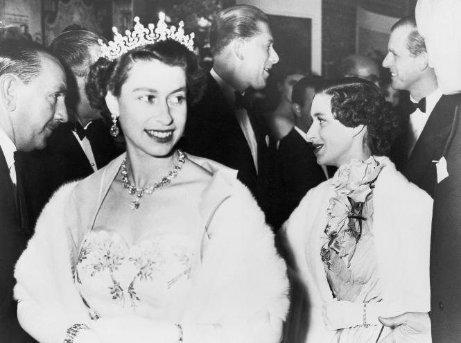 Фото №3 - Секреты придворных ювелиров: кто и как создает украшения для Королевы и ее семьи
