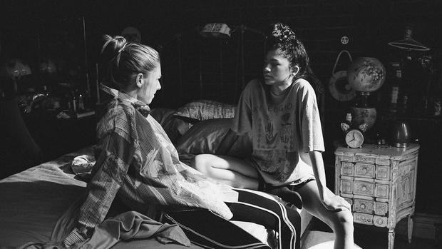 Фото №2 - Билли Айлиш и испанская певица Роcалия записали саундтрек ко второму спецэпизоду «Эйфории»