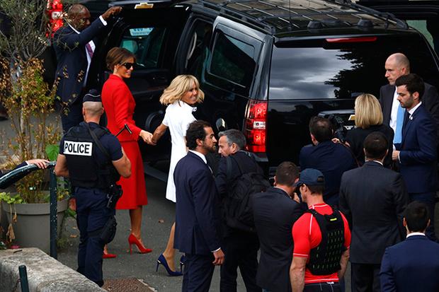 Фото №10 - Первые подруги: Мелания Трамп и Бриджит Макрон в Париже