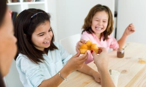 Фото №1 - В Петербурге откроют «горячую линию» для жалоб на питание в школах и детсадах