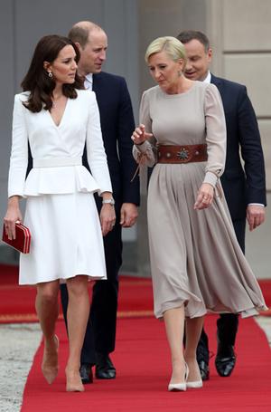 Фото №17 - Принцесса Шарлотта и принц Джордж: первые фото из Польши