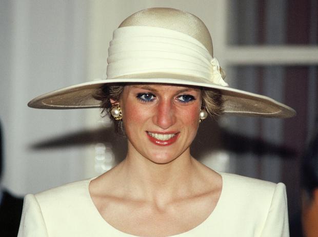 Фото №1 - Некрасивая Диана: как принцесса справлялась с комплексами по поводу внешности