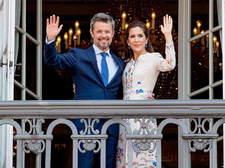 Фото №2 - Привычка жениться: кронпринц Фредерик и принцесса Мэри снова отправятся под венец