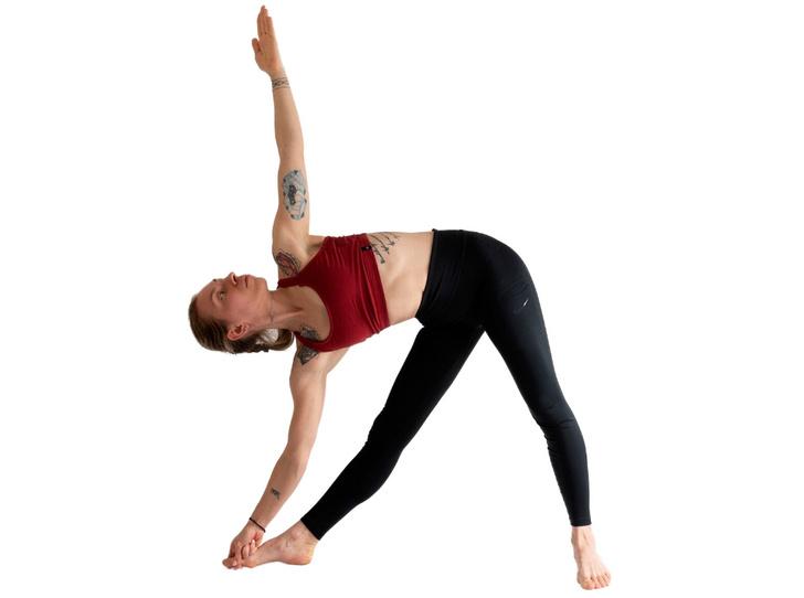 Фото №12 - Йога против стресса: 5 асан, которые помогут успокоиться