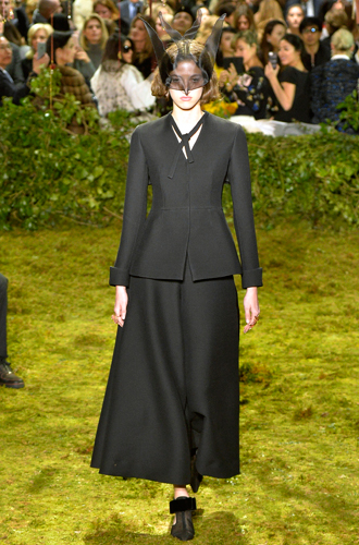Фото №10 - 7 ключевых женских образов Недели haute couture SS17