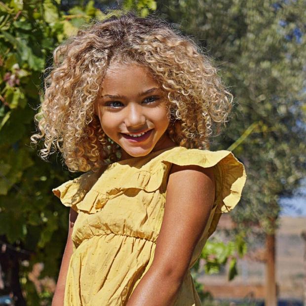 Фото №1 - Похищена самая красивая девочка в мире: кого обвиняет ее мать