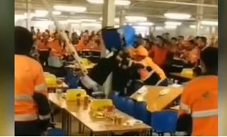 Массовая драка в русской рабочей столовой, которая сделает честь салунам Дикого Запада (видео)