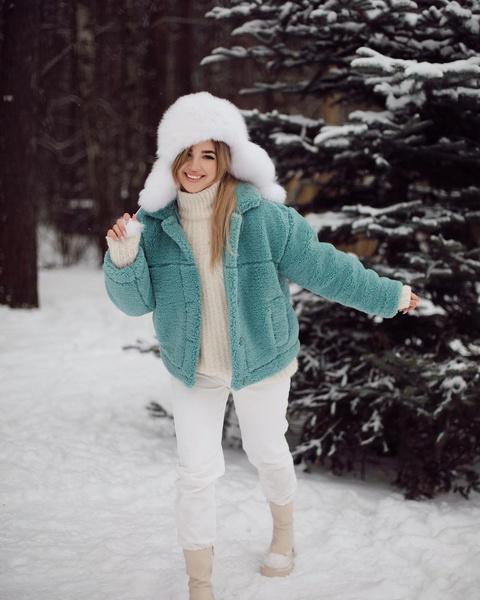 Фото №3 - Куртки из флиса— тренд весны 2021. Смотри, как носит Аня Покров 😍