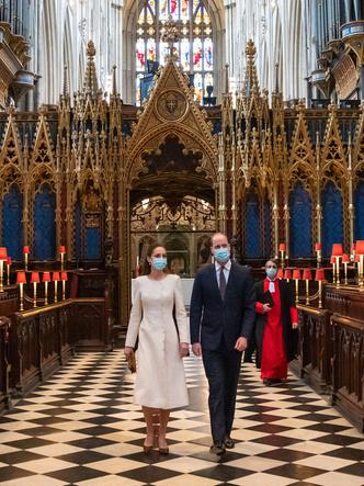 Фото №2 - Испытание чувств: как изменились отношения Кейт и Уильяма за непростой для Виндзоров год