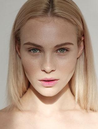 Фото №3 - Три идеи для макияжа на корпоратив от YSL
