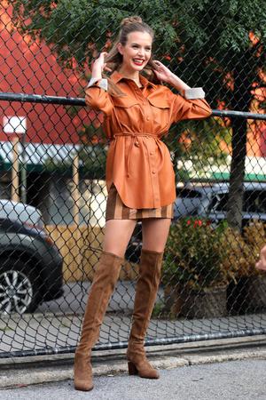 Фото №1 - К 1 сентября готова: Жозефин Скривер заставляет с нетерпением ждать наступления осени