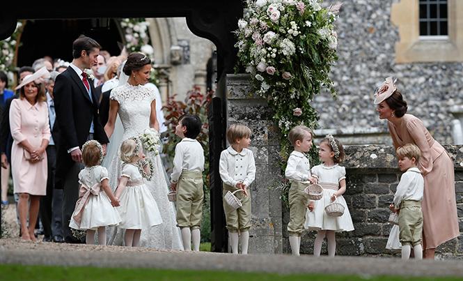 Фото №13 - Герцогиня Кембриджская в роли няни на свадьбе сестры (фото)