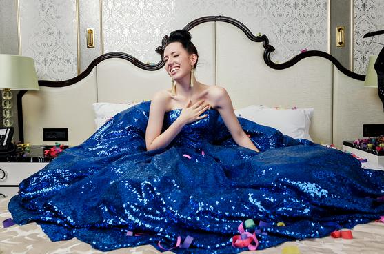 Фото №16 - WOW! Катя Клэп снялась в образе Ким Кардашьян