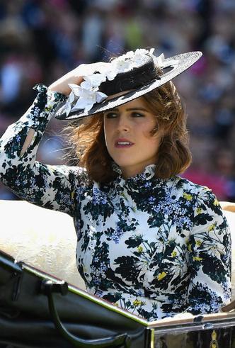 Фото №3 - Тонкий намек: почему поклонники БКС уверены, что принцесса Евгения беременна